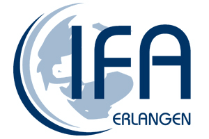 Logo des Instituts für Fremdsprachen und Auslandskunde Erlangen, Weltkugel mit Schriftzug IFA Erlangen