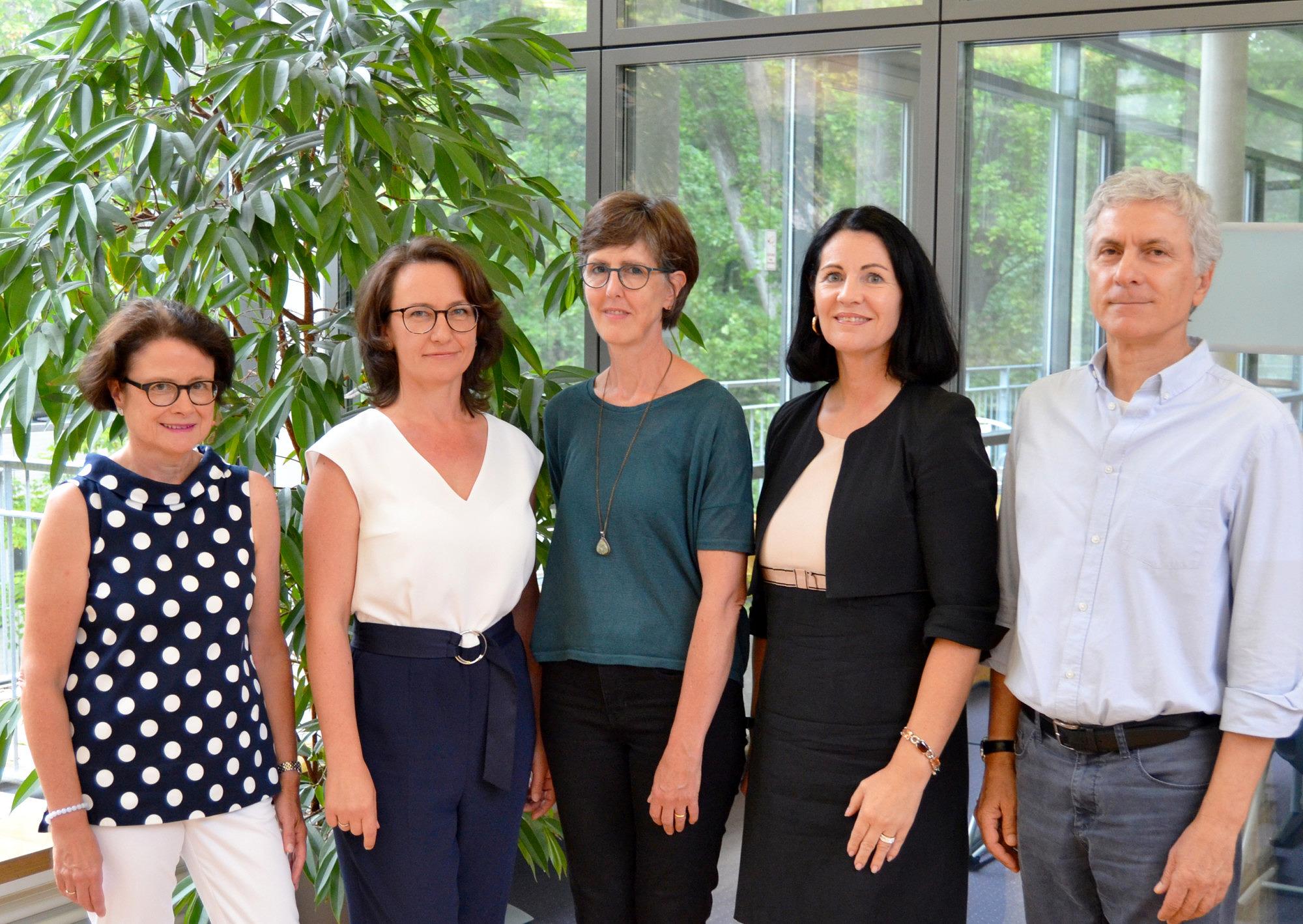 Gruppenbild der Abteilungsleiter und Abteilungsleiterinnen des IFA